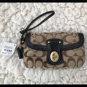 Coach Legacy Signature Khaki Brown Wristlet F41941